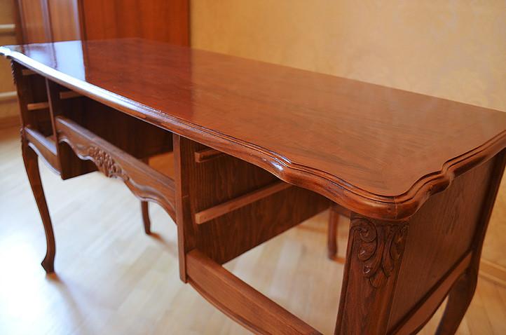 обновление письменного стола, устранение дефектов столешницы, замена лакокрасочного покрытия