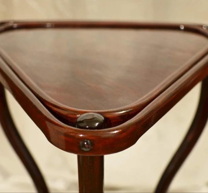 Реставрация, ремонт чайного столика. Замена лакокрасочного покрытия.