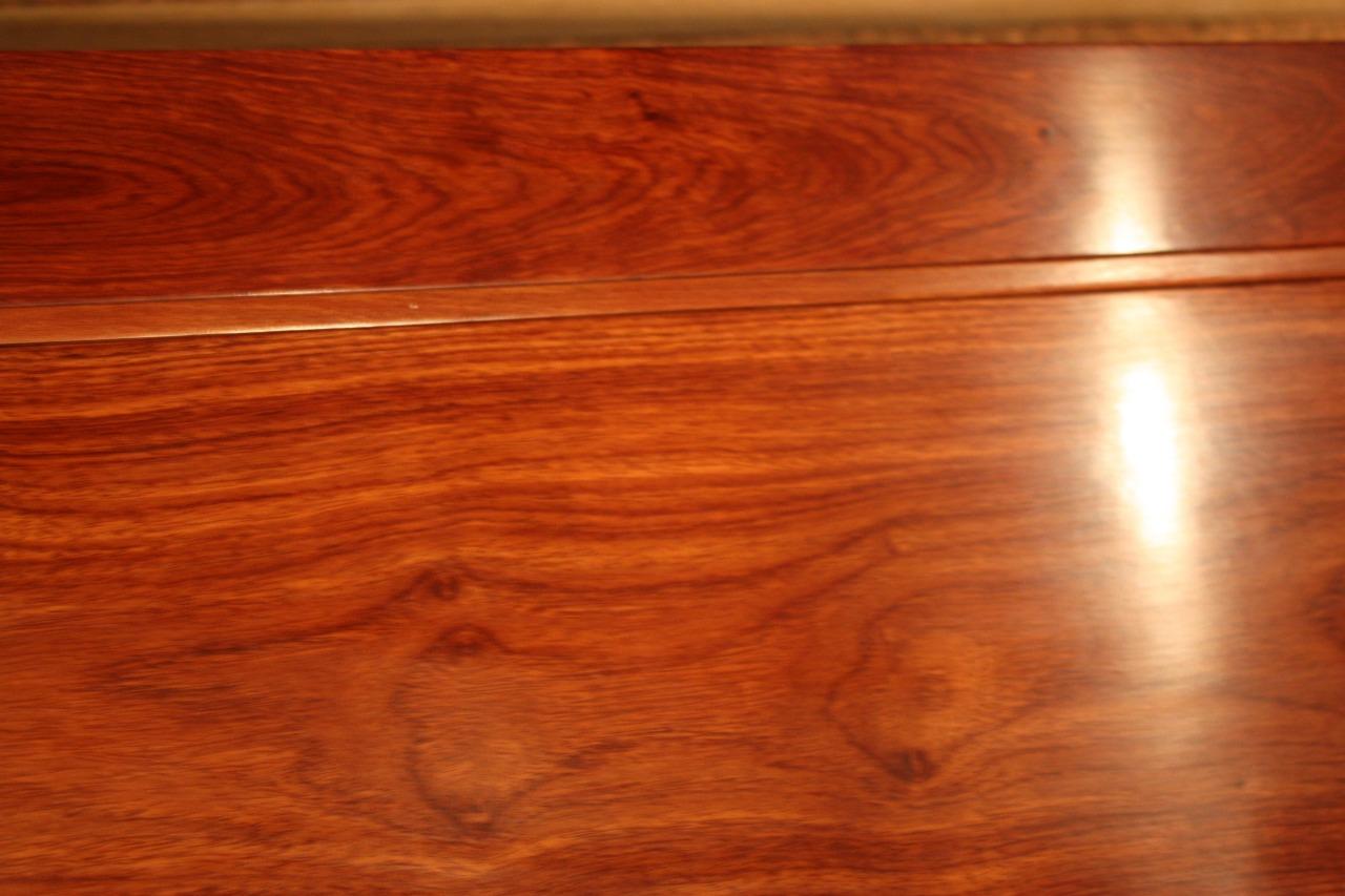 Реставрация нового резного стола в реставрационной мастерской Restorer.expert