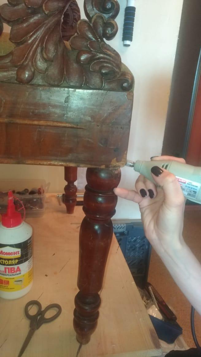 Реставрация и ремонт старинного кресла в реставрационной мастерской RESTORER.EXPERT