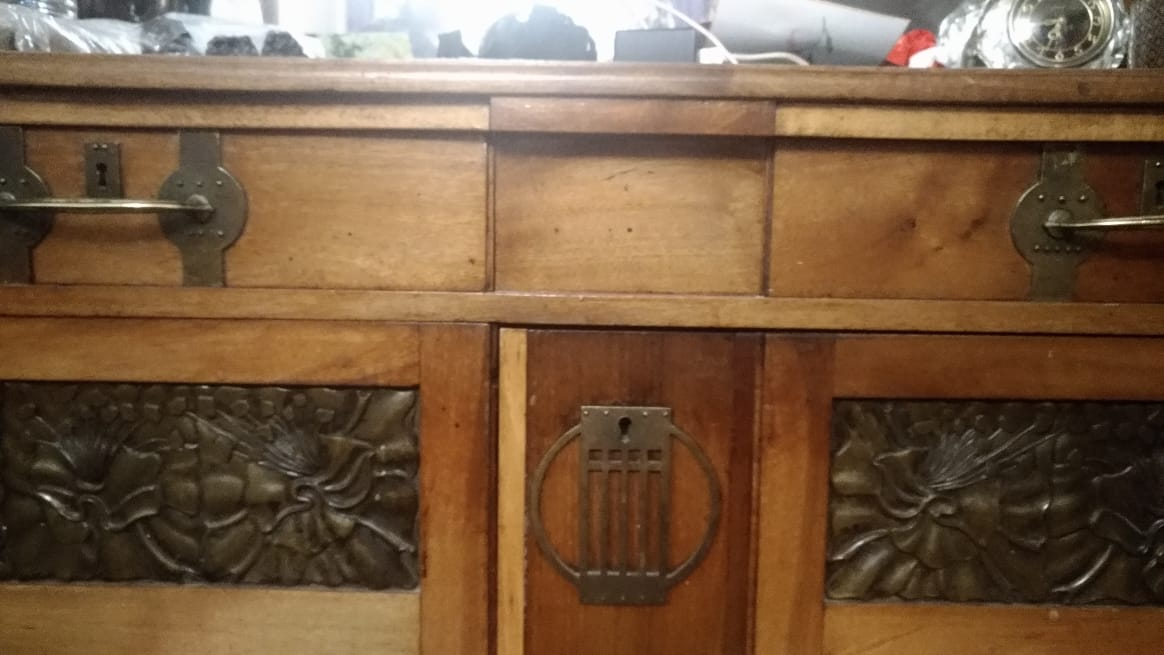 Реставрация орехового буфета в стиле модерн в реставрационной мастерской Restorer.expert